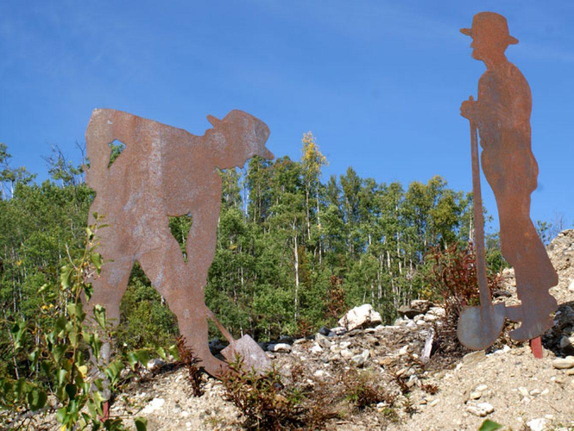 dawson city goldrush memorial yukon