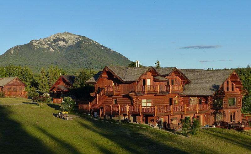 echo valley resort british columbia