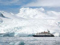 antarctic peninsula cruising past glacier posei