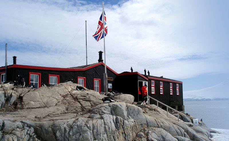 antarctica peninsula port lockroy pf