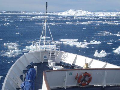 antarctica peninsula ships bow ll
