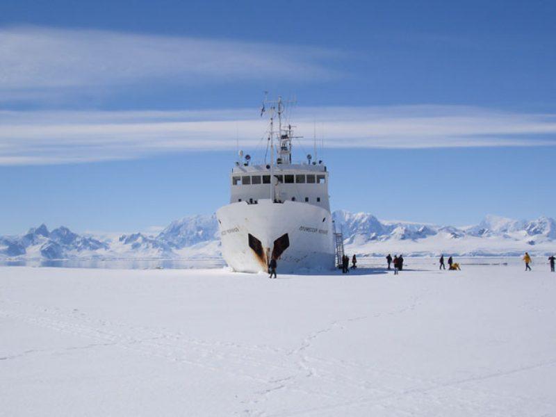antarctica ship ice landing cm