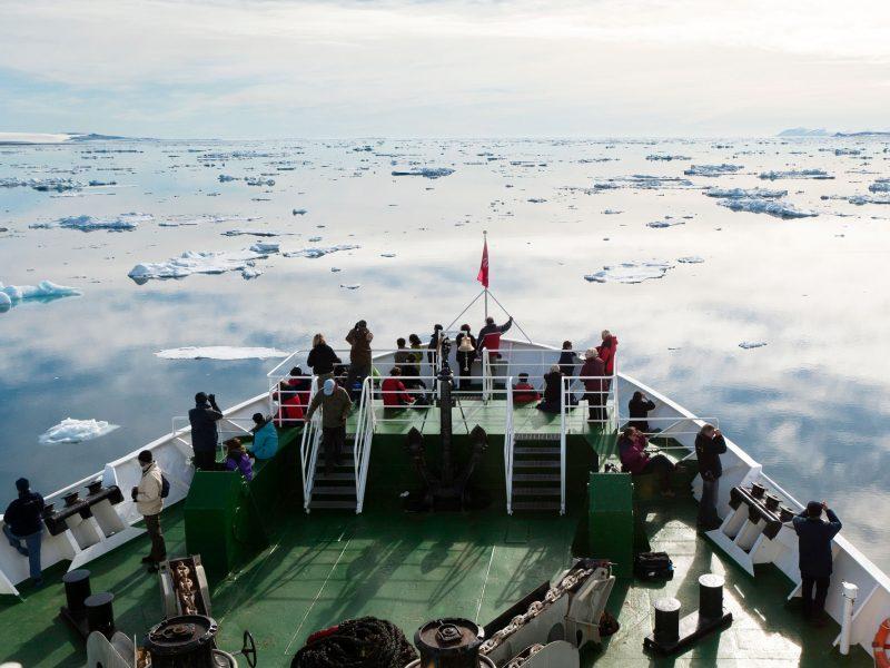 arctic spitsbergen hinlopen strait rth m