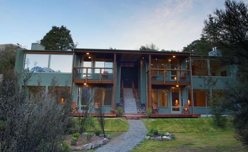arthurs pass wilderness lodge exterior