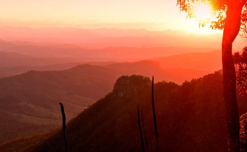 australia queensland oreillys moonlight crag sunset