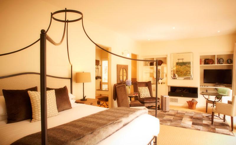 australia victoria lake house bedroom