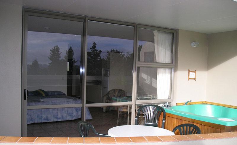 breakers motel balcony
