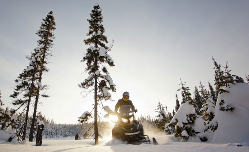 canada quebec snowmobiling dq