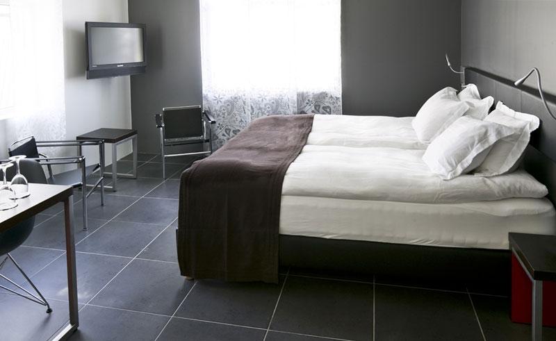 center hotel arnarhvoll guestroom