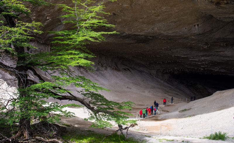 chile patagonia torres del paine cueva del milodon cas