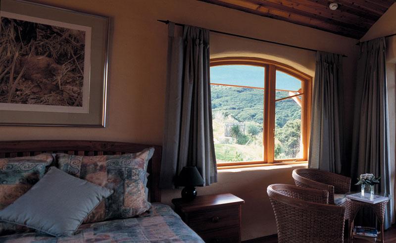 earthsong lodge bedroom