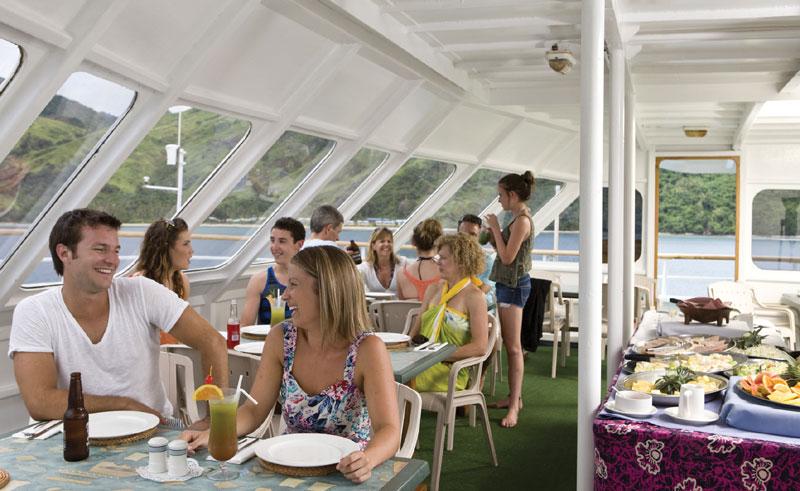 fiji reef endeavour alfresco dining