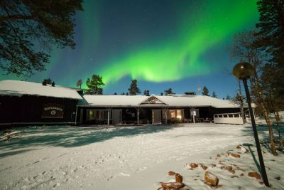 finland lapland aurora sky muotka wilderness lodge 1