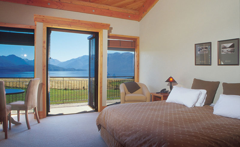 fiordland lodge te anau guestroom