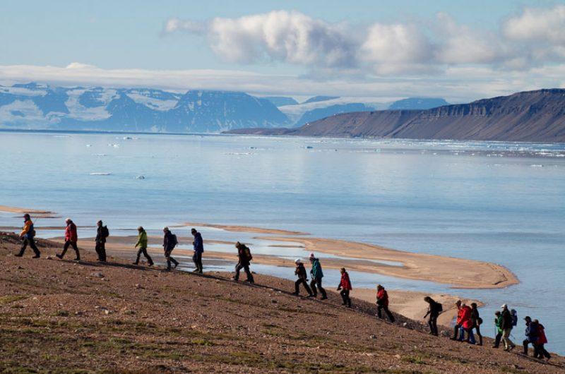 greenland shore landing hike qe