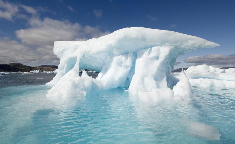 greenland south narsaq blue iceberg vg