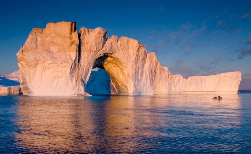 greenland west coast ilulissat midnight sun iceberg vg