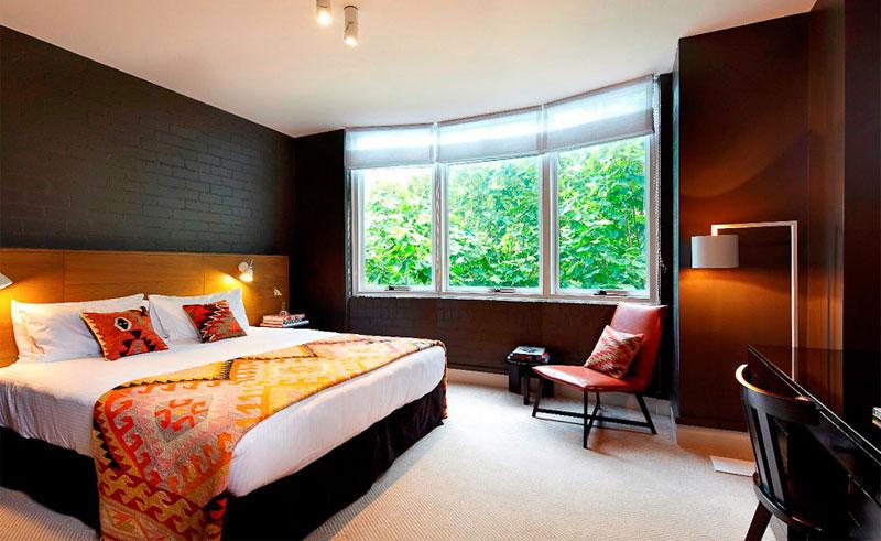 harbour rocks hotel bedroom 1