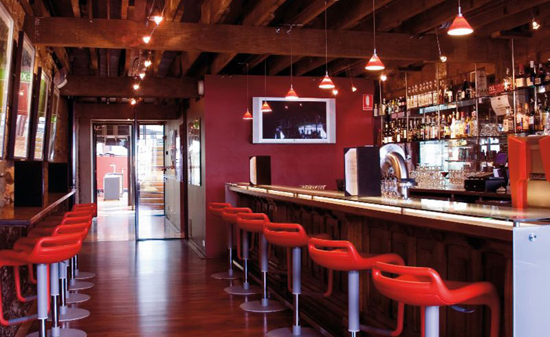 henry jones art hotel bar