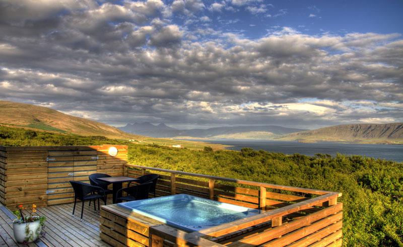 hotel glymur hot tub