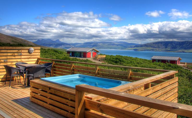 hotel glymur hvalfjordur hot tub