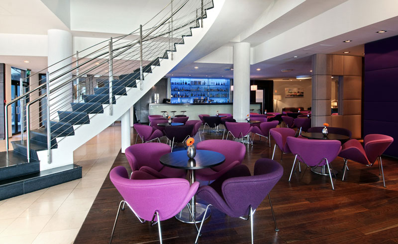 hotel hilton nordica bar