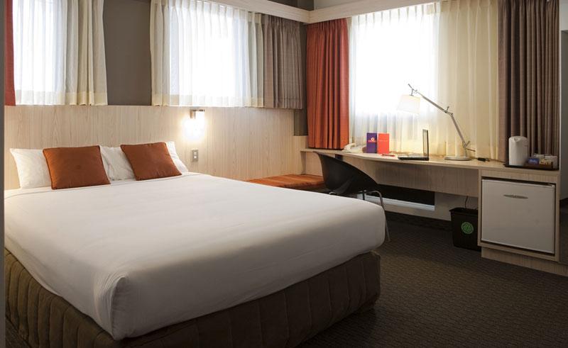 hotel ibis wellington queen room