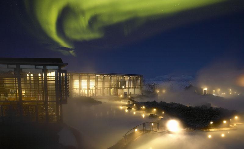 iceland blue lagoon northern lights rth
