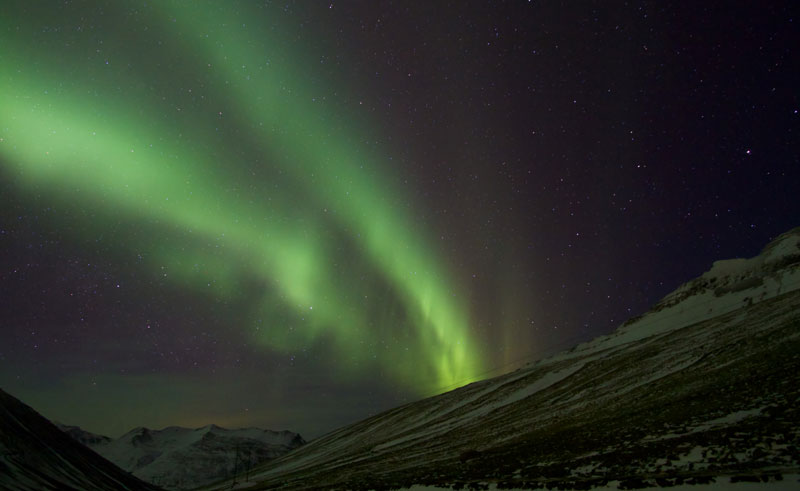 iceland northern lights ap