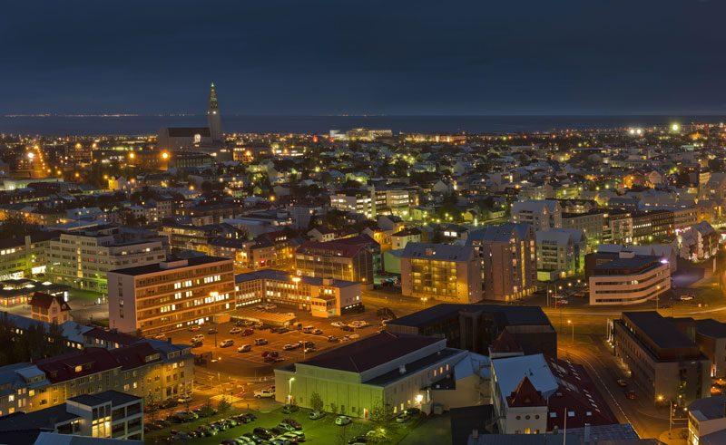 iceland reykjavik cityscape at night rth
