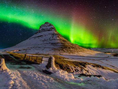 iceland snaefellsnes grundarfjordur aurora over kirkjufell rth