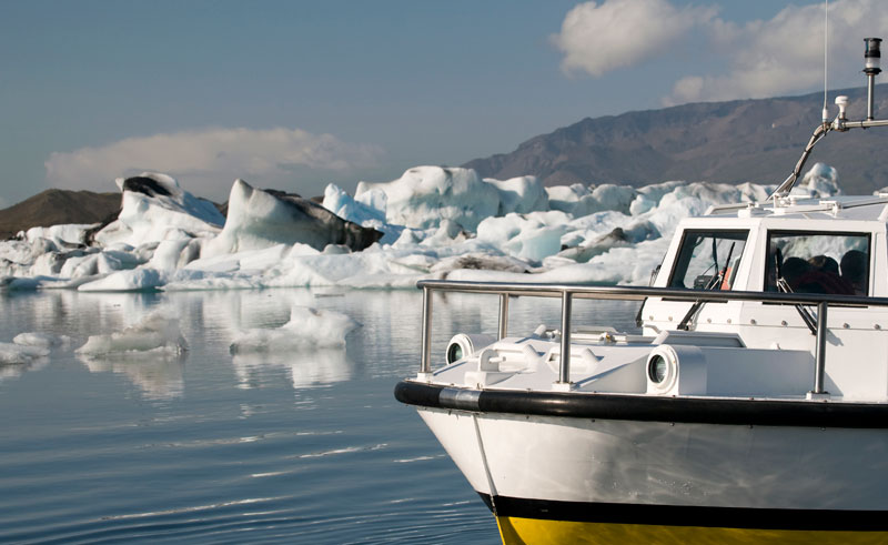 iceland south east jokulsarlon boat is