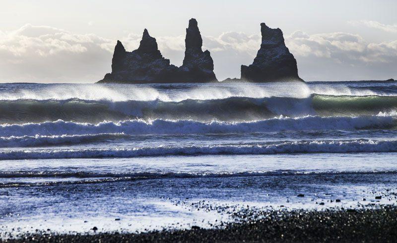 iceland south east vik reynisdrangar waves img