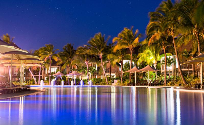 intercontinental fiji pool evening