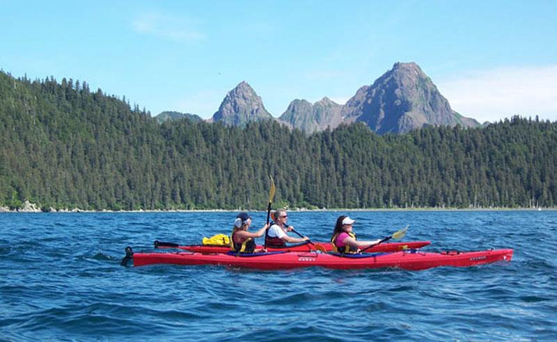 kenai fjords wilderness lodge kayaks close