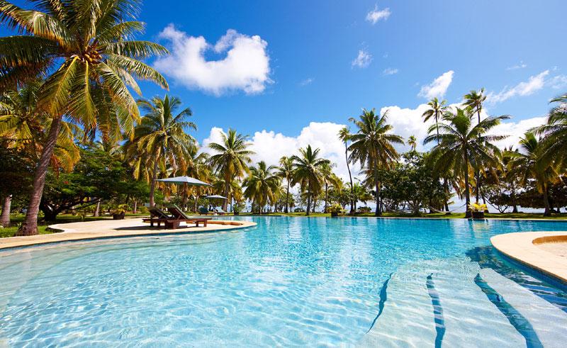 lomani island resort pool