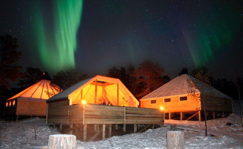malangen resort camp nikka at night aurora