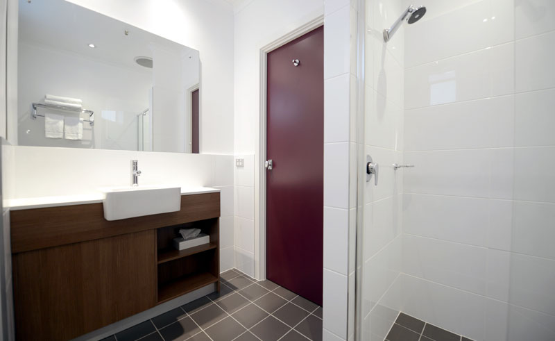 mercure grosvenor bathroom