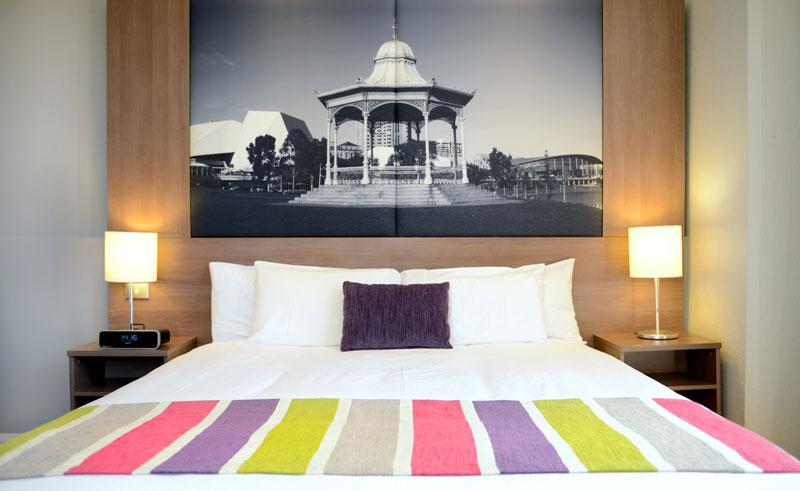 mercure grosvenor bedroom