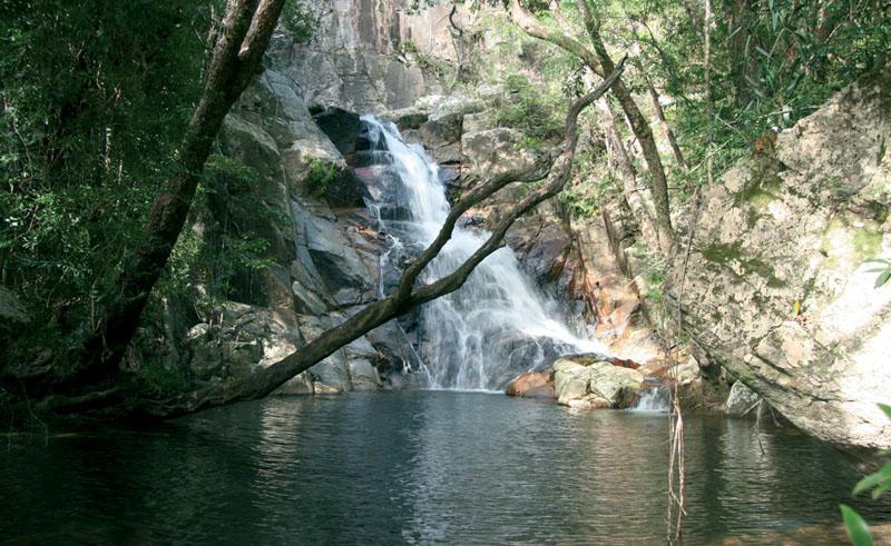 mungumby lodge hidden falls