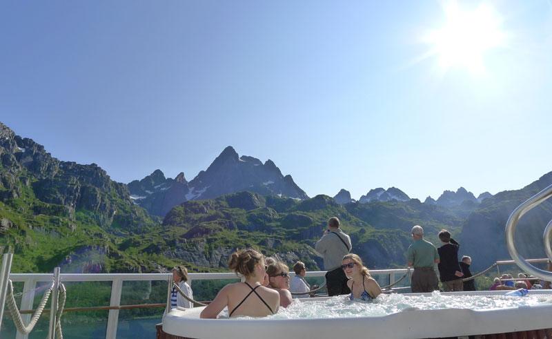 norway coastal voyage hot tub hurtigruten