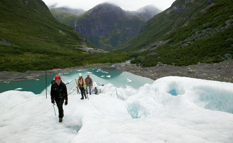norway glacier hike vn