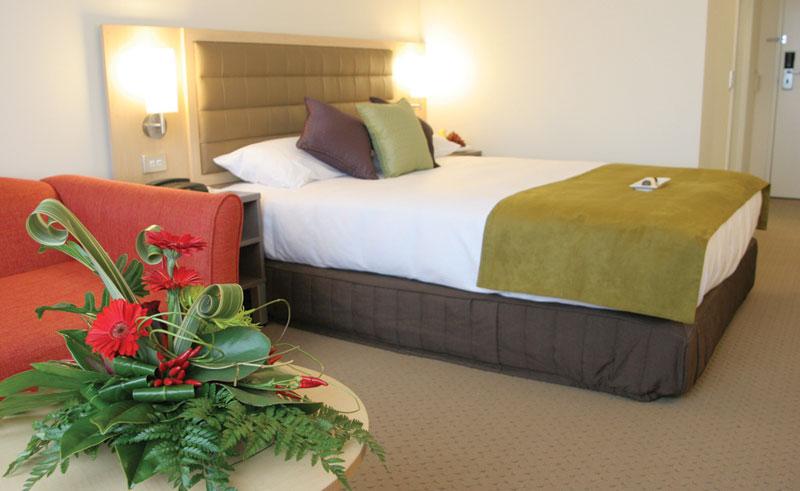 novotel rotorua guestroom