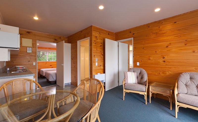 pauanui pines guestroom