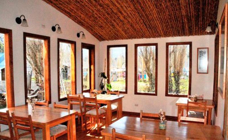 puerto rio tranquilo hostal el puesto dining room