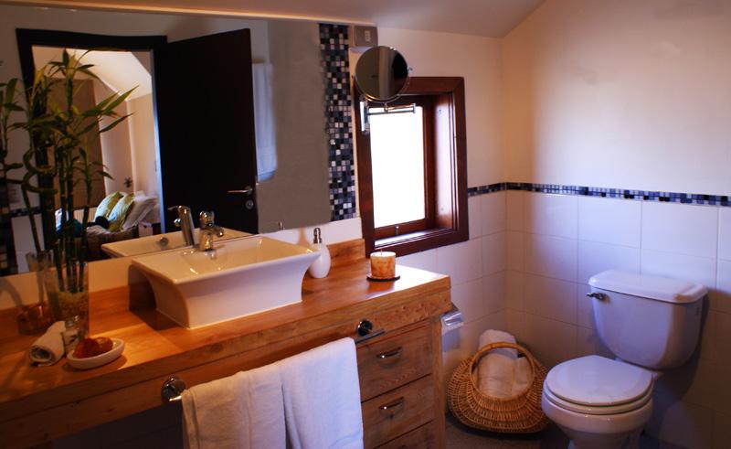puerto varas casa kalfu bathroom