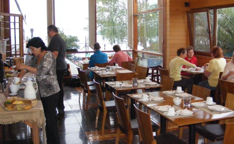 puerto varas puerto chico dining area