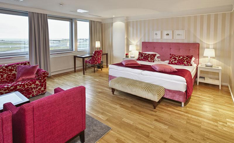 reykjavik natura pink suite