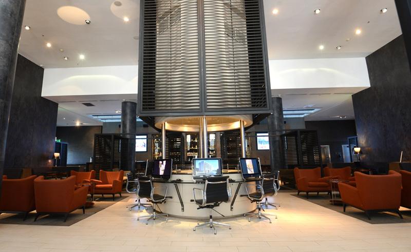 santiago holiday inn airport lobby