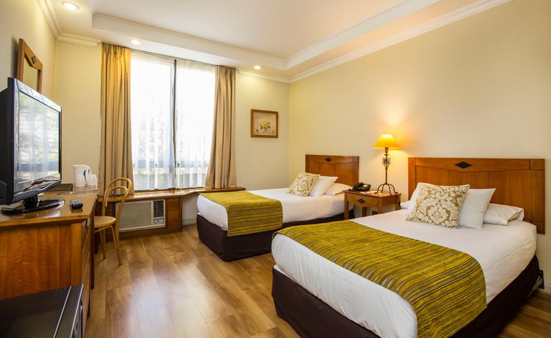 santiago hotel bonaparte superior twin